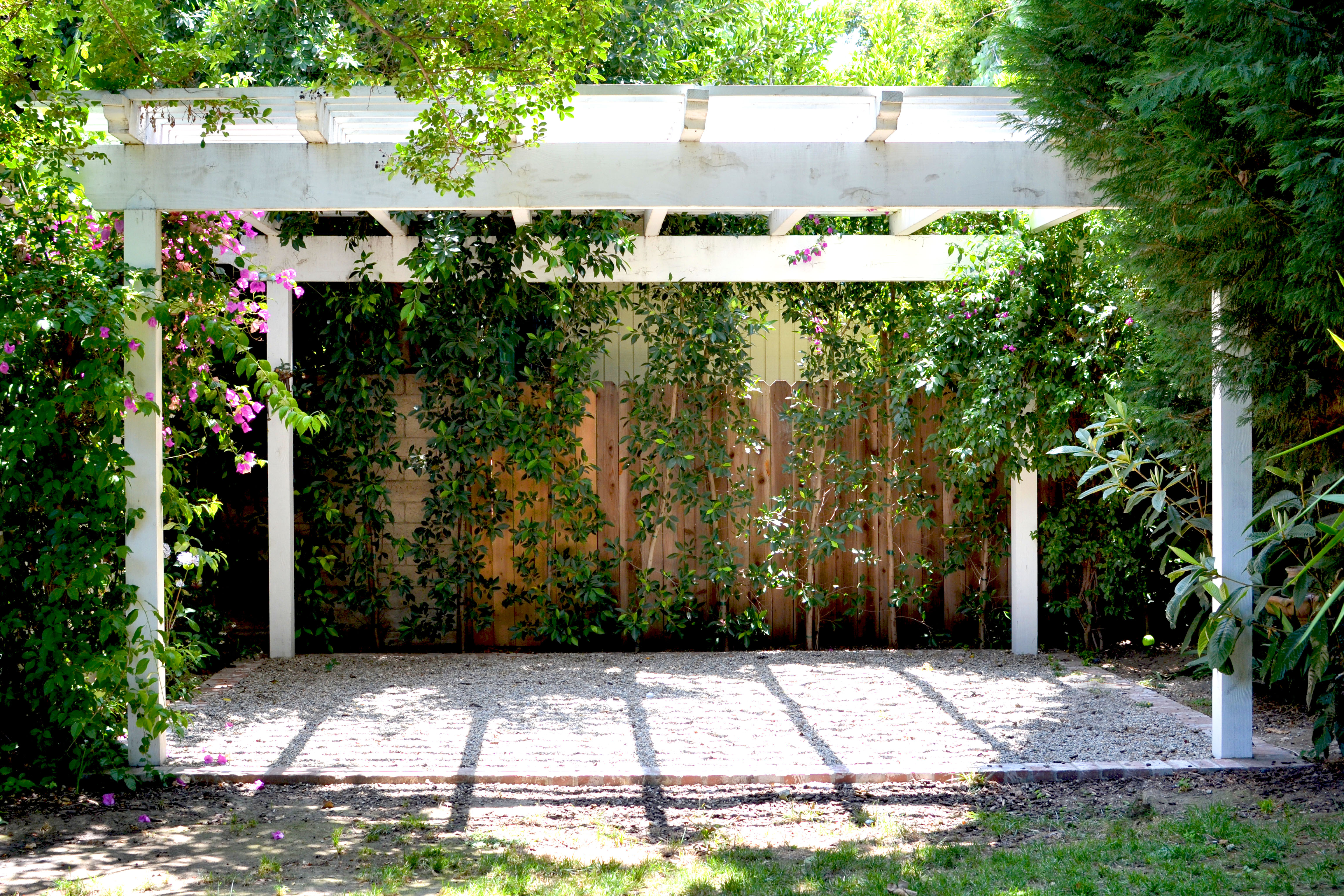 Constructing a Pergola is an Excellent Home Improvement Task